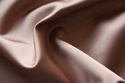 """Fed"" polyester satin med stretch 360/380 gr.mt - mørk pudder"